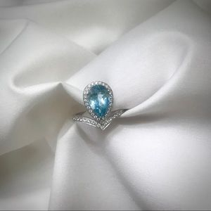 Pear cut blue aquamarine diamond ring